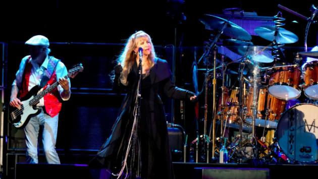Fleetwood Mac recordó con 'Landslide' a Glenn Frey, de los Eagles [VIDEO]