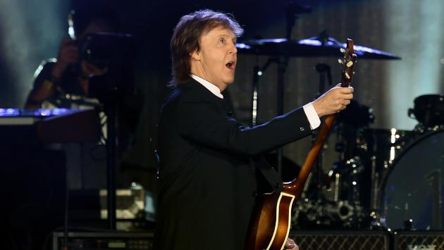 Paul McCartney flameó por error la bandera de Chile en un concierto en Texas, Estados Unidos
